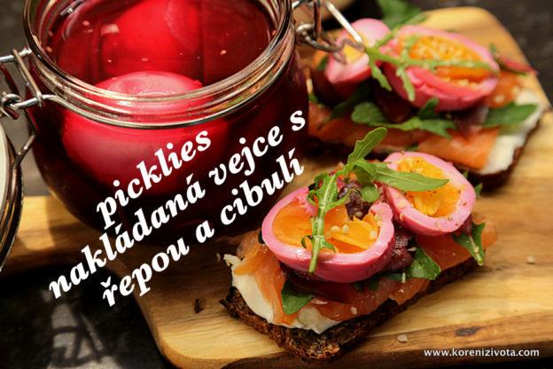 Picklies nakládaná vejce s řepou a cibulí